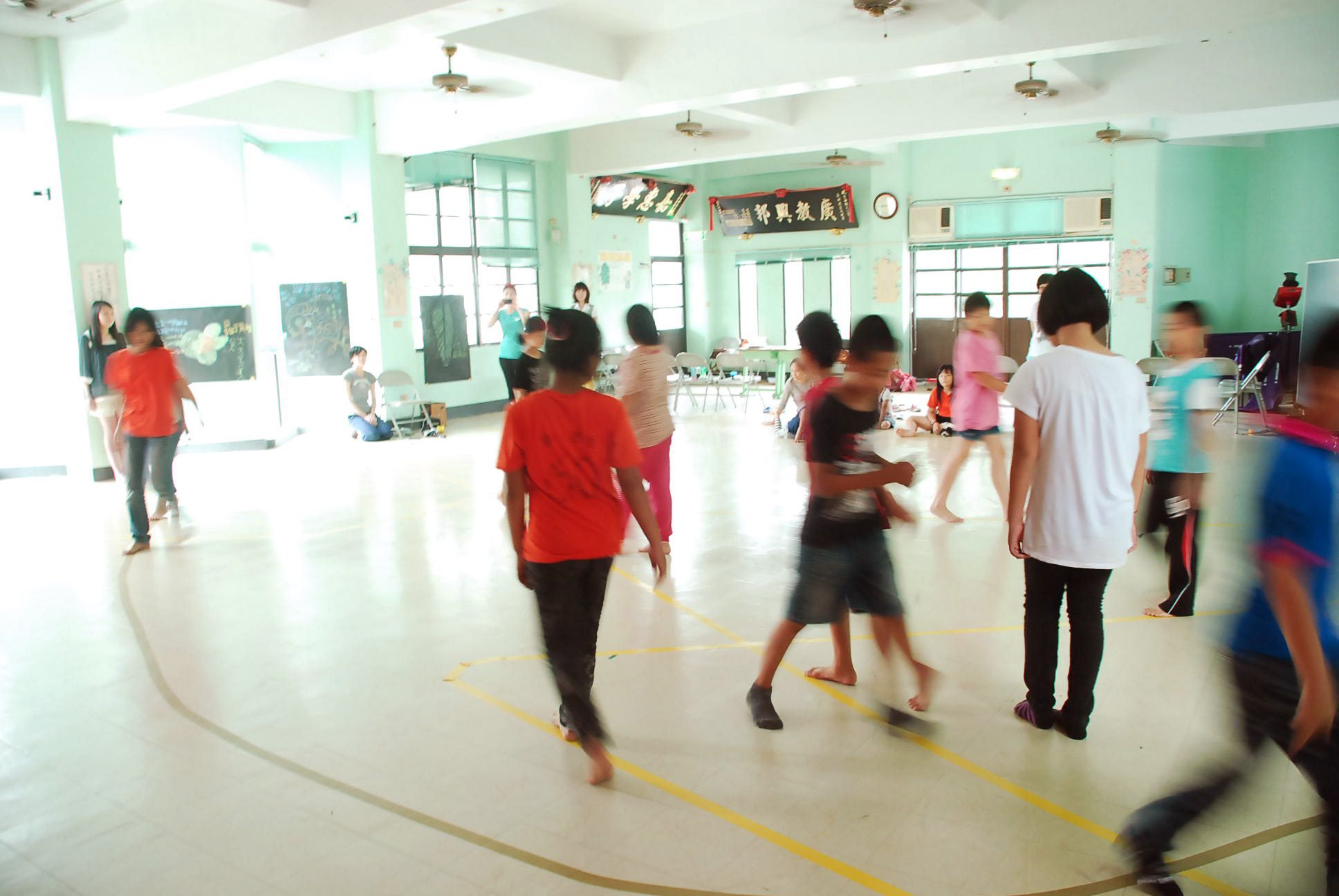 Project Wrap Up – 2013  5/10-12 Artistic Expression Through Motion 肢體生活營課程 (青山國小 Tainan)