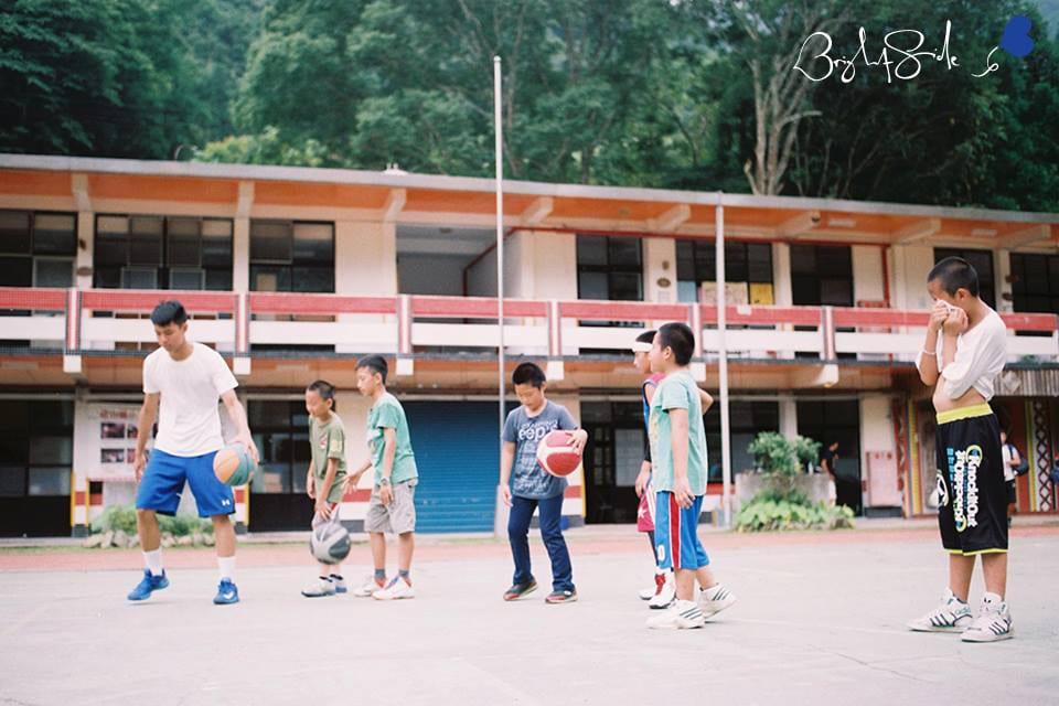 2014 8/23 Youth Basketball Program 少年籃球課程